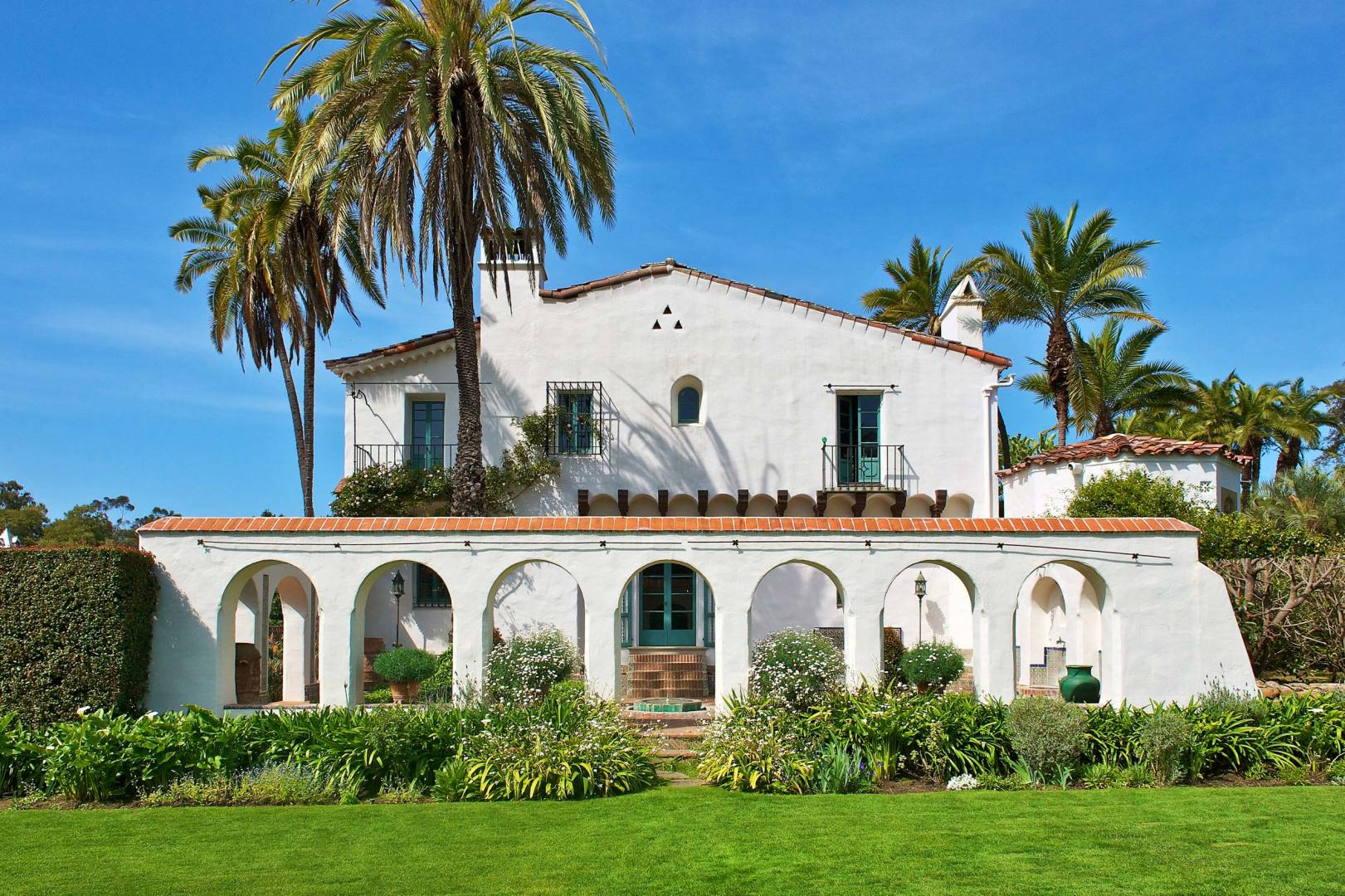 Casa del herrero visit santa barbara for Casa in stile santa barbara